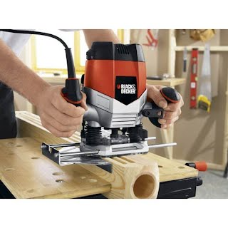 Using a woodwork Router
