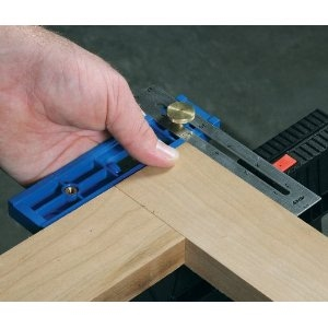 Woodwork Right angle alignment